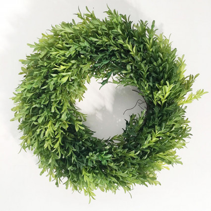 "14"" Artificial Tea Leaf Boxwood Wreath"