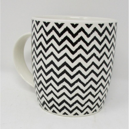 Black and White Chevron Print Ceramic Mug