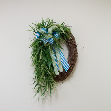 Trailing Vines Grapevine Wreath