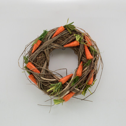 Twine and Grass Carrot Wreath