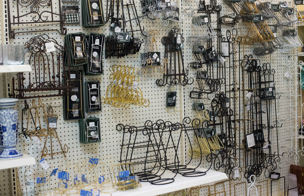 Choose from gold silver or black stands made at different heights for your convenience. Shop with us in one of our 5 locations to browse your options! & Plate Racks Easels \u0026 Wire Stands | Carolina Pottery